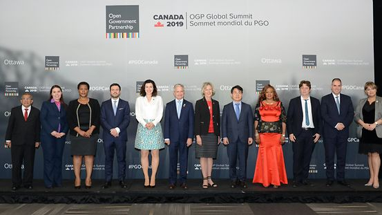 Gruppenfoto OGP Summit